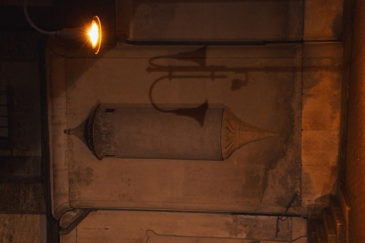 Sulla parete della chiesa di photomonique