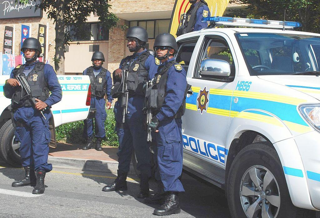 Free 1024px-South_african_police_may_2010