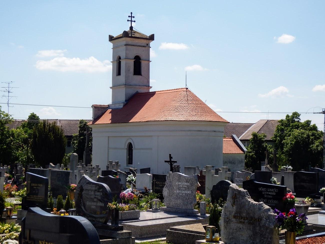 Vonyarcvashegy - Szent Kereszt felmagasztalása kápolna a temetőben