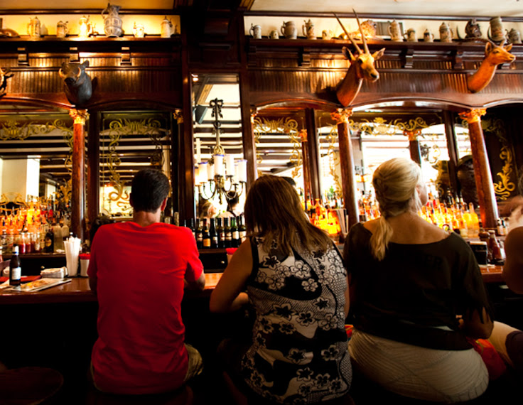 A view of the bar at the Old Ebbitt Grill. Photo: Erin for Browniebites.
