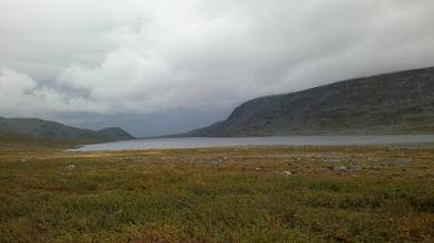 Kuva: ja sitten matka jatkui kohti Kilpisjärveä, vielä viimeiset katseet taakse tuntureille