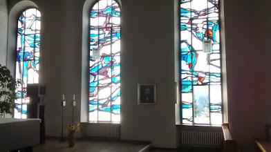 Photo: Tiefenthal Kirken med mosaikvinduer