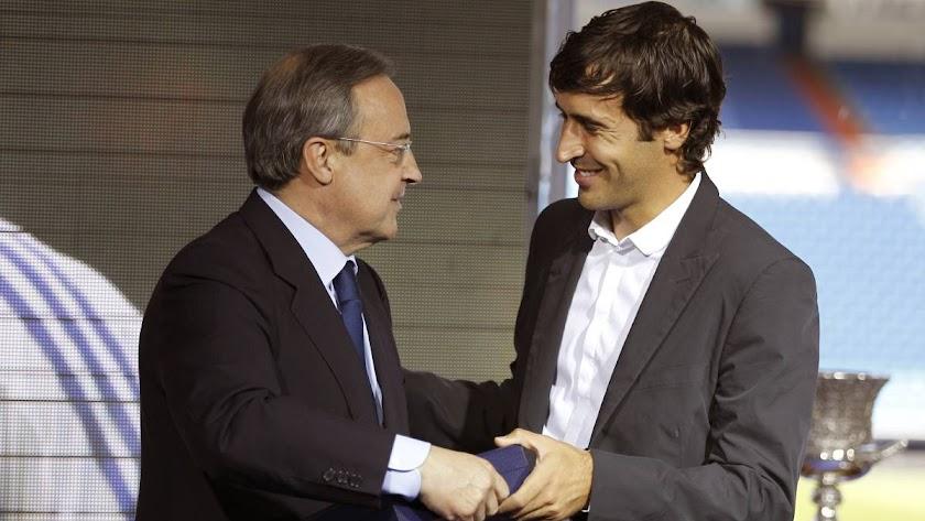 Florentino Pérez y Raúl González, en una imagen de archivo.