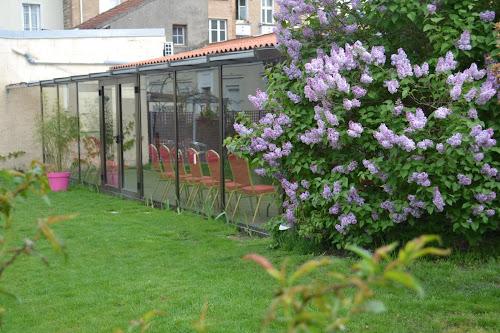 Salle avec jardin