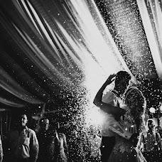 Wedding photographer Maksim Pyanov (maxwed). Photo of 25.10.2017