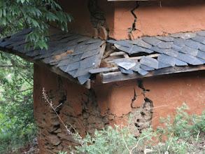 Photo: Consecuencias del terremoto en las casas dela aldea de Khalte, distrito de Dhading.
