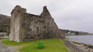 Photo: Lochranza Castle