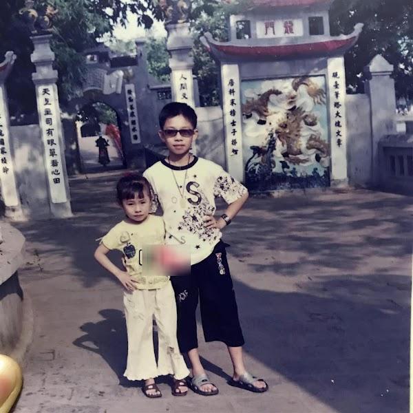 Ảnh lúc nhỏ của Kim và Bình Nhi. (Ảnh: 2sao)