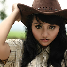 Cowgirl by Fahmi Hakim - People Portraits of Women ( girl, cowgirl, lady, beauty, hat )