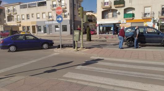 Un choque en la Carretera de Ronda de Vera paraliza el tráfico unos minutos