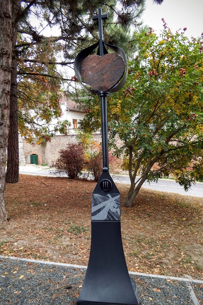 Pannonhalma - Mindenki keresztútja
