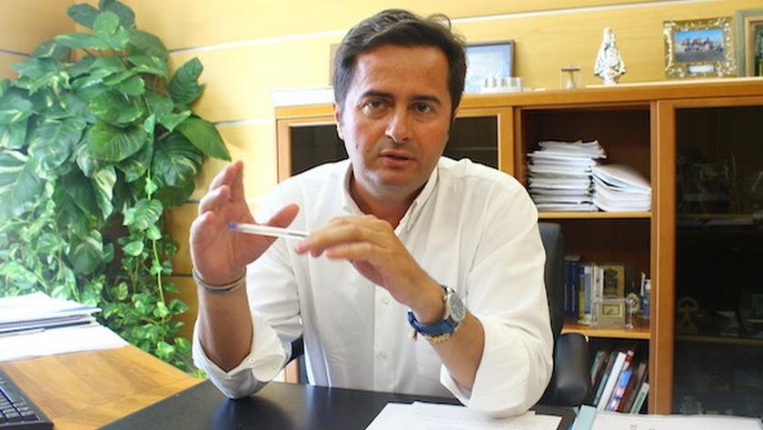 Francisco  Góngora fue denunciado por el PAL, el partido de Enciso, en el año 2011.