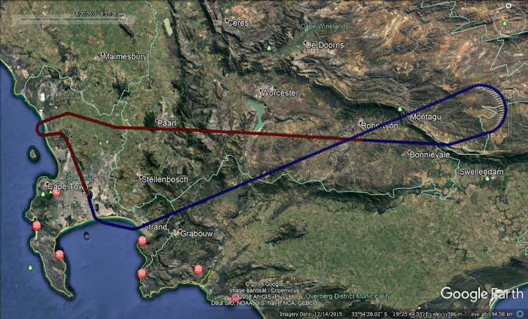 The route followed by the FlySafair Boeing 737-400 on August 20 2019. The blue line shows the takeoff, followed by the emergency right-hand turn over Montagu. The line changes to red when the pilots change to an emergency radio frequency.