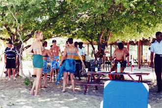 Photo: #011-Pique-nique sur la plage de Mayreau