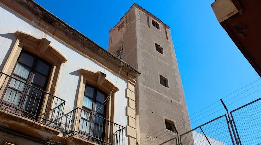 La torre perdida entre los callejones