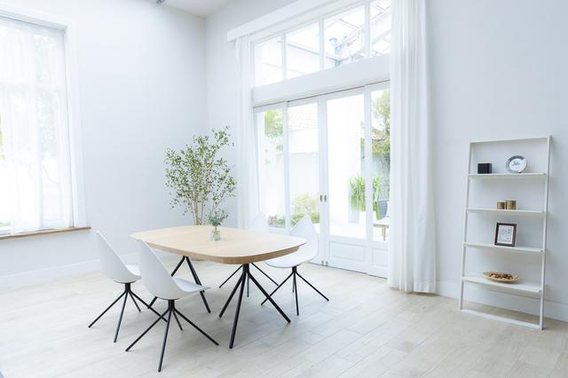 背の低い家具を選ぶ