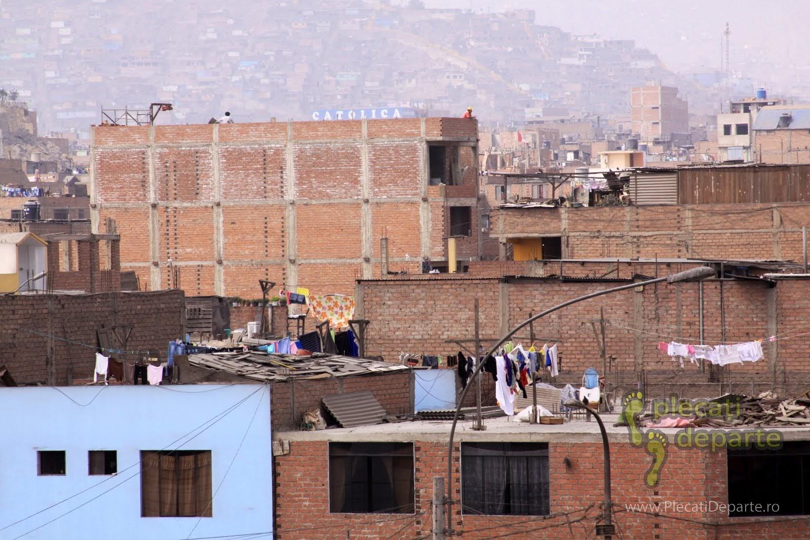 locuinte neterminate in cartierul San Juan de Lurigancho, Lima, Peru