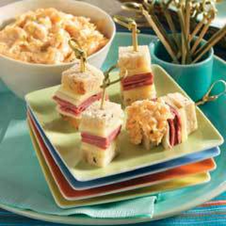 Mini Reuben Skewers With Dipping Sauce