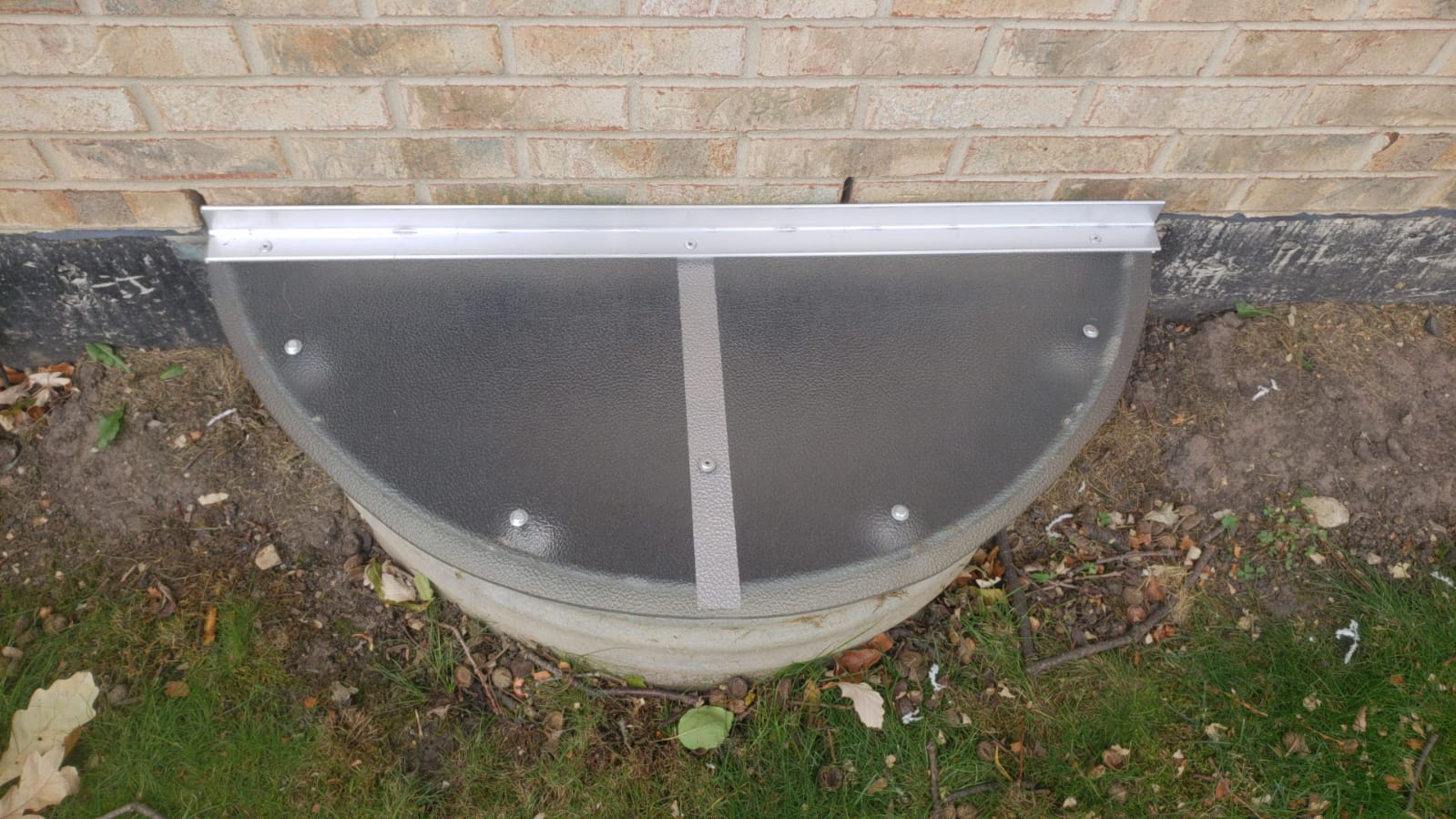 Rosemont , IL-HandyManny Custom Window Well Covers
