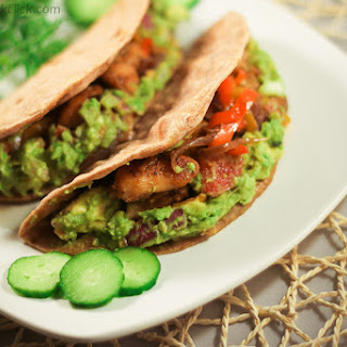 Whole Wheat Tortilla Tacos with Grilled chicken & Guacamole