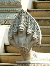 Photo: Phnom Penh - Srebrna Pagoda, Stupa Księżniczki Kantha Bopha / Silver Pagoda, Stupa of Princess Kantha Bopha