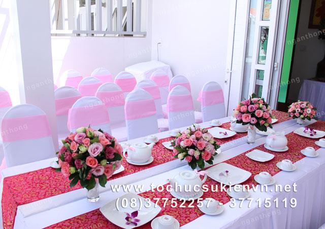 Các mẫu bàn ghế tiệc cưới Ngàn Thông 4