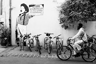 Photo: The people calls for a return to the street  Wish you all a nice week end  #streetphotography  #fujigirl