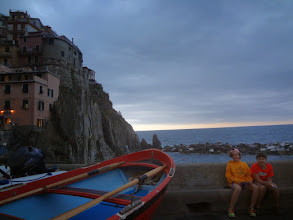Photo: We took the train back to Manarola for dinner