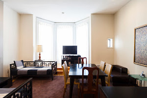 2 bedroom apartment in East 60th Street