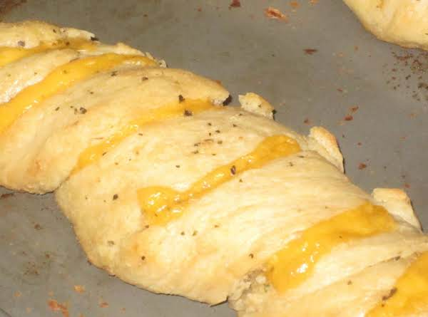 Twisted Garlic And Cheese Bread