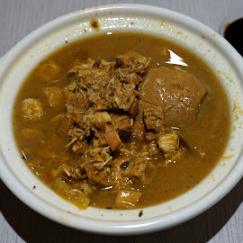 Bakmoy by Mulawardi Sutanto - Food & Drink Plated Food ( chicken, cafe, travel, enak, resto, food, bakmoy, bandung )