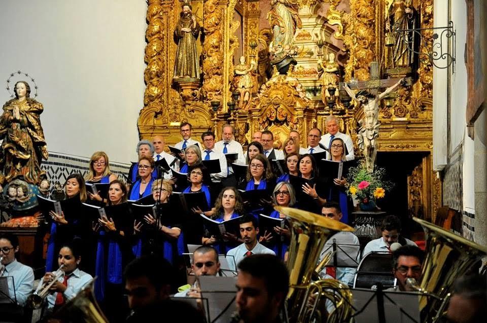 """""""Mater Dei"""" põe música erudita no palco das Festas dos Remédios"""