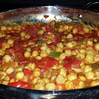 Chickpeas [garbanzo Beans] With Peppers And Tomato Sauce