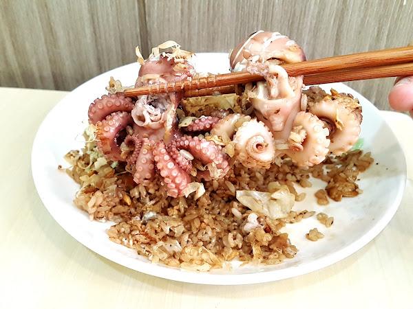 什麼?限量!霸氣的『章魚燒炒飯』這真的太靠海了 / 【絕鼎炒飯】熱鍋炒出~關西章魚燒好滋味 每日限量【80份】近崑山國小