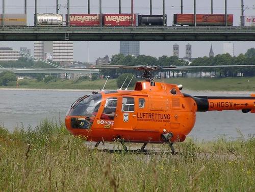 Photo: Foto: www.handwerkernet.de  Luftrettung am Rheinufer in Köln. Hubschrauber des Bundesinnenministerium (BMI) Bezeichnung: D-HGSV Type: MBB BO 105 CBS-5 Indienststellung: 1997 Außerdienststellung: 2007