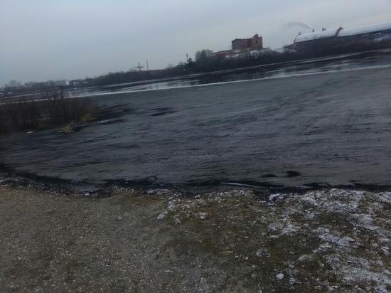 Черный лед появился на реке Сухоне на Вологодчине: кто виноват