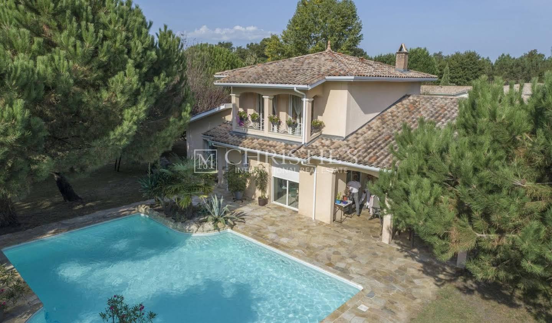 Maison avec piscine Saint-Jean-d'Illac