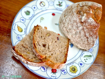 知本山上有家麵包店