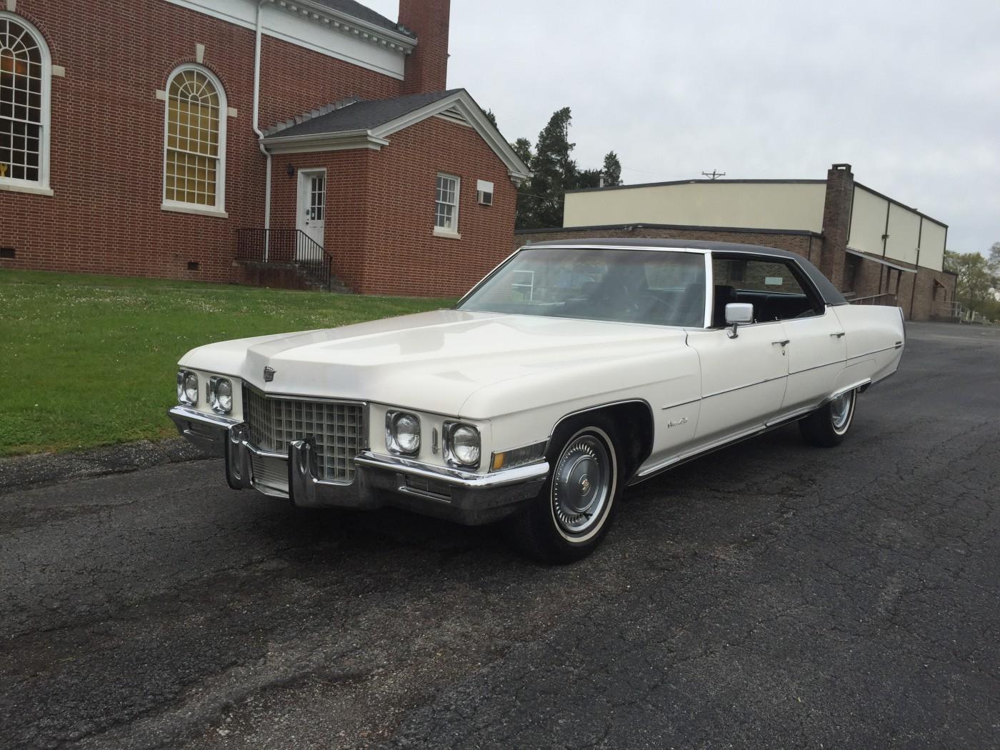 Cadillac Sedan DeVille Hire Chickamauga