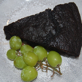 Easy Vegan Chocolate Cake.