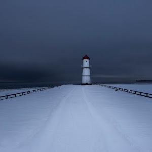 lighthouse2-P1990582-HR.jpg