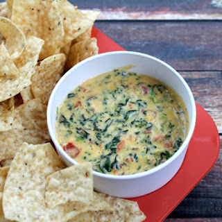Crock Pot Spinach and Bacon Cheese Dip.