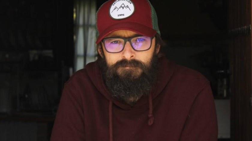 El escritor, filólogo y profesor Juan Manuel Gil (Foto: Tamy Chaud).