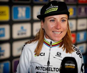 Knotsgekke tocht van 400(!) kilometer: wereldkampioene wielrennen laat zich overtuigen door Jan-Willem Van Schip