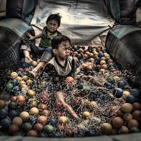 Splash! by Muhammad Muqri - Babies & Children Children Candids ( splash, moment, happy, children, candid )