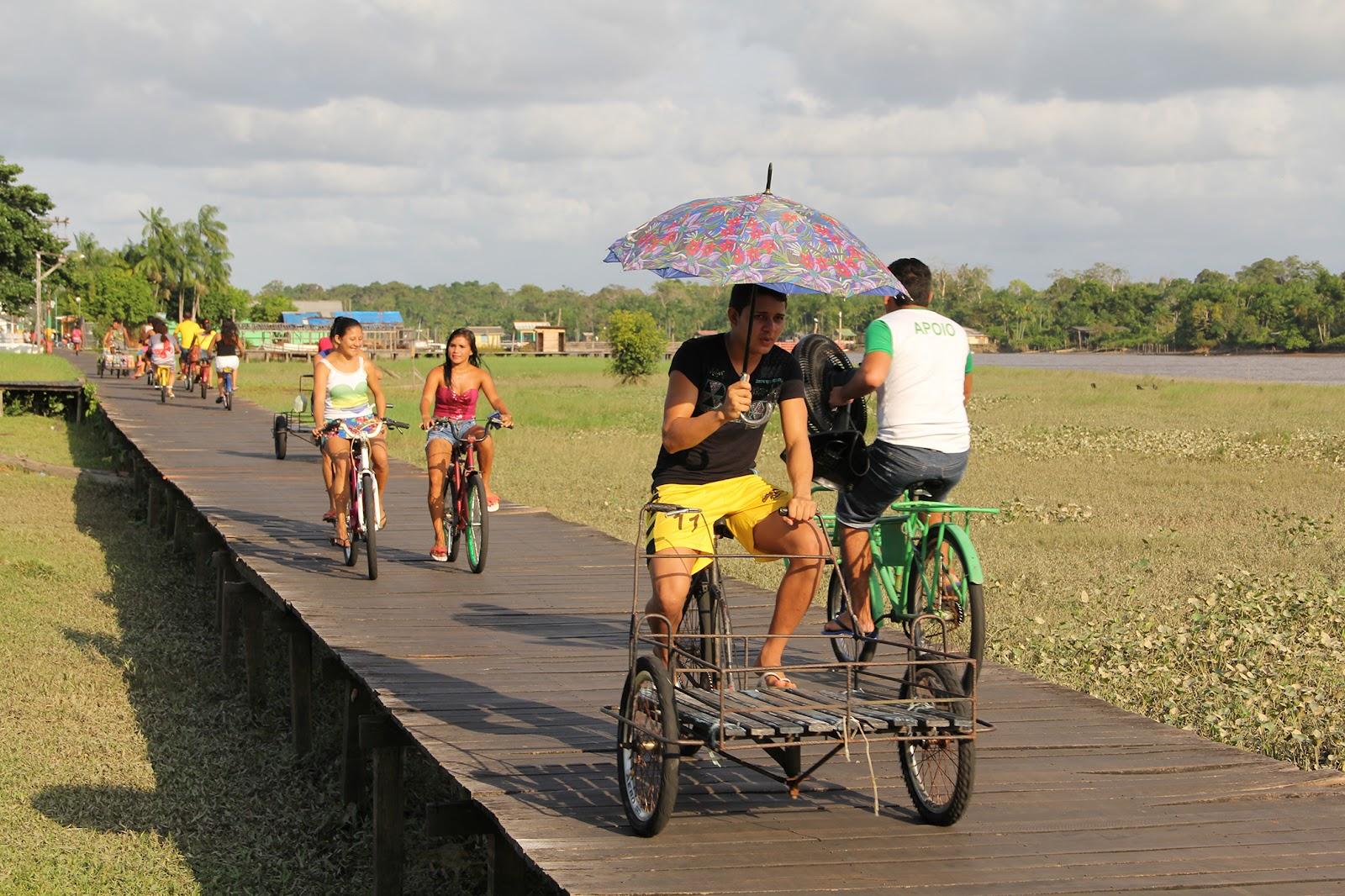 Somente bicicletas circulam pelas vias de Afuá. (PA). (Fonte: Iphan/Reprodução)