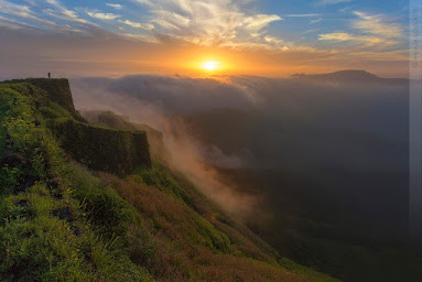 A photo by Anup Bokil from Rajgad, near nisargshala