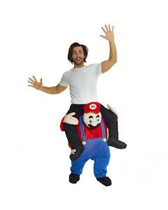 Dräkt, red plumber piggyback