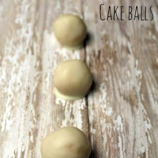 Vanilla Cheesecake Cake Balls