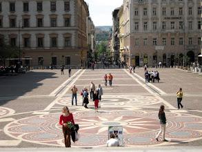 Photo: A bazilika előtti tér